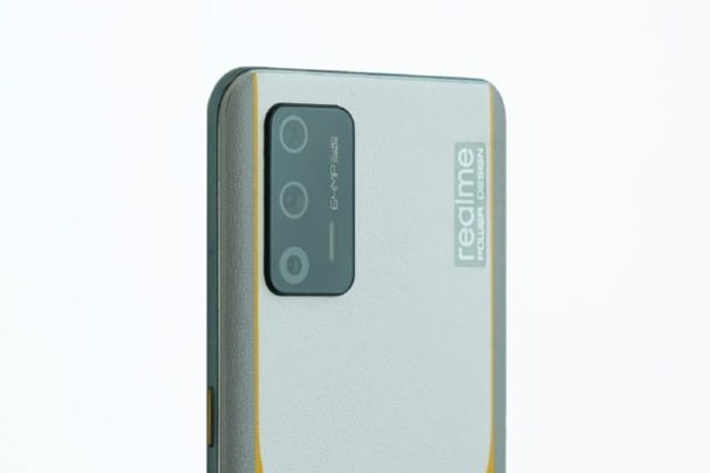 شاهد.. مواصفات و تصميم هاتف ريلمي جي تي 5G